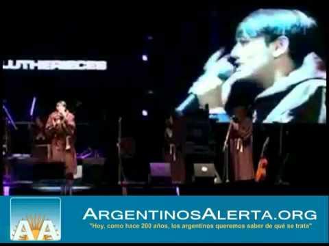 Argentinos felicitan a sacerdote que interrumpió espectáculo para defender la fe
