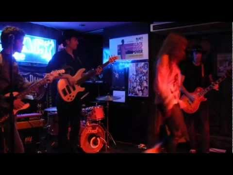 Baixar Evika Blue from BLACK ROSE IBIZA singing in Black Note Valencia