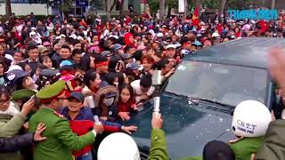 Thủ môn Bùi Tiến Dũng về quê, thành phố Thanh Hóa tắc đường nghiêm trọng