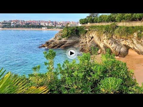 Una mirada al sardinero desde la playa más pequeña de Santander