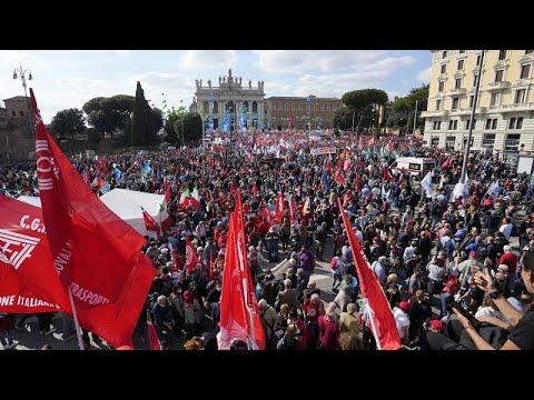 Százezren demonstráltak a szélsőjobb ellen