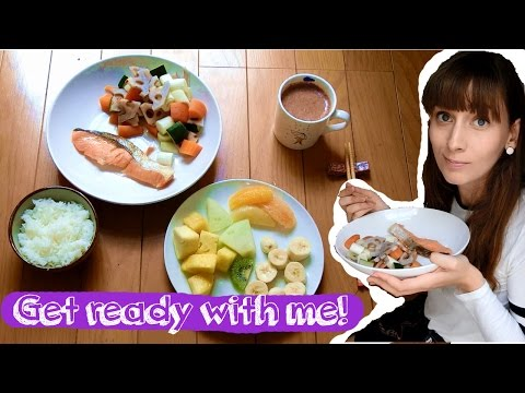 Get ready with me in my tiny Japanese apartment!