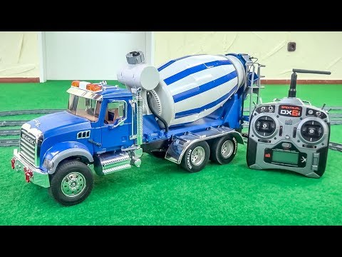 AWESOME Mack RC Mixer Truck gets unboxed! Betonmischer!