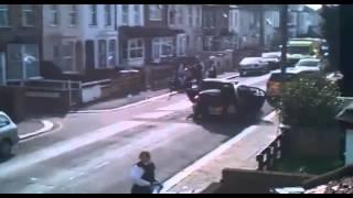 Video Dog Shot 3 Times - Doberman Dog Attacks / Pitbull Dog Attacks / Police Officers