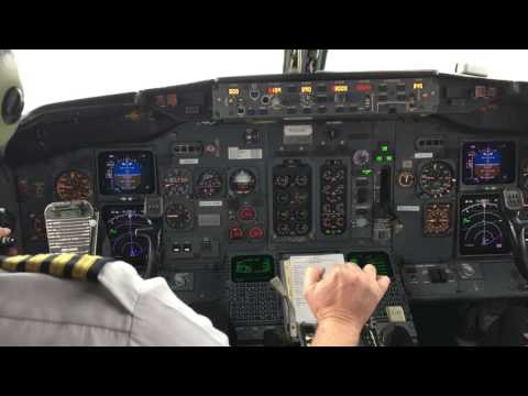 Flight Deck Video: Taking off in Gogo's 737