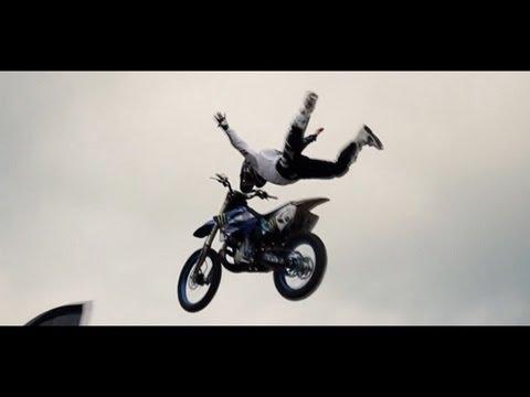 Metrik - Freefall (Ft. Reija Lee)(Incl. Video)