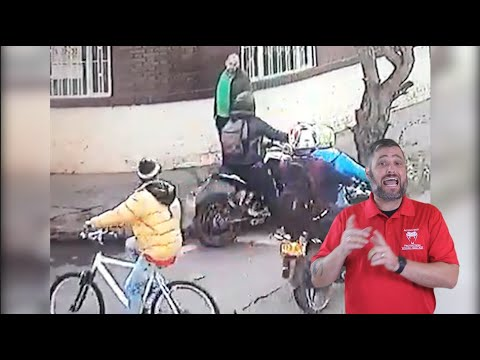 Colombian Pedestrian Draws On Multiple Moto-Robbers