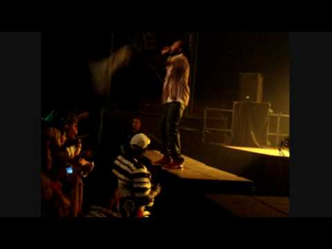 MAVADO Money changer / Squeeze her breast LIVE REGGAE GEEL 2010