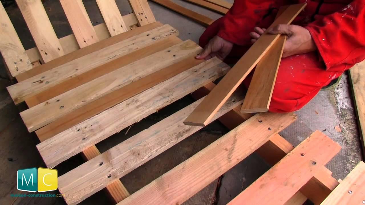 chaise longue palette faire soi m me un bain de soleil en palette youtube. Black Bedroom Furniture Sets. Home Design Ideas