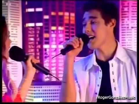 violetta y leon cantan 'Podemos'