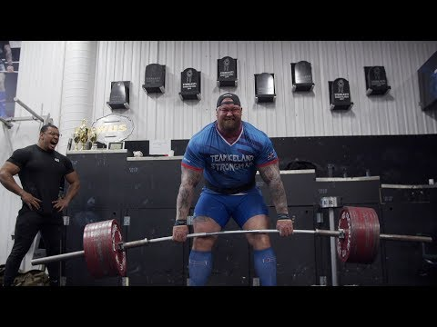 WORLDS STRONGEST MAN DEADLIFTS 951LBS FOR REPS