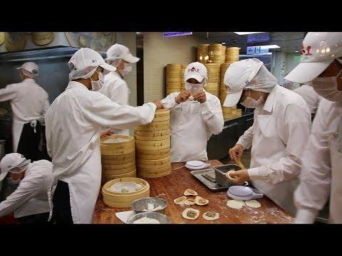 Taiwan's PERFECT Xiaolongbao at Din Tai Fung 鼎泰豐   EXQUISITE Taiwanese Dumplings at Taipei 101