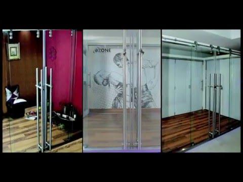 <span>Functional - Glass Synchronized Door</span>