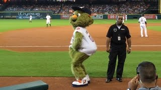 LAD@HOU: Astros mascot Orbit sways to Beyonce's 'Single Ladies'