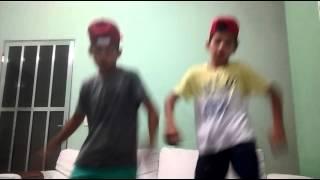 MC GUI e silento dança
