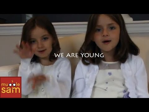 Baixar FUN.: WE ARE YOUNG FT. JANELLE MONAE | Sophia & Bella Mugglesam
