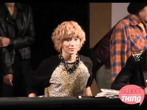 101010  Cute sleepy Taemin making a blowfish  face @ Hello fansign event