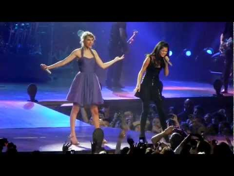 Taylor Swift and Selena Gomez sing