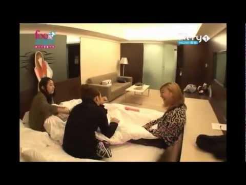 f(x) Luna, Sulli and Krystal prank their Vic-Omma