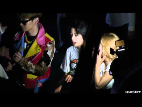 120526 Hyoyeon, Amber & Key Backstage (During EXO-M Performance) [HD] @ SMTOWN LA