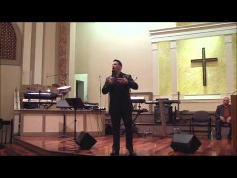 santiago torres jr predicacion sangre y agua ( iglecia pentecostal monte sinai )