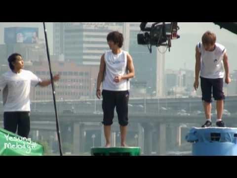 [fancam] 100602 Sungmin Yesung Leeteuk dance Bonamana on dais @ Dream team Recording