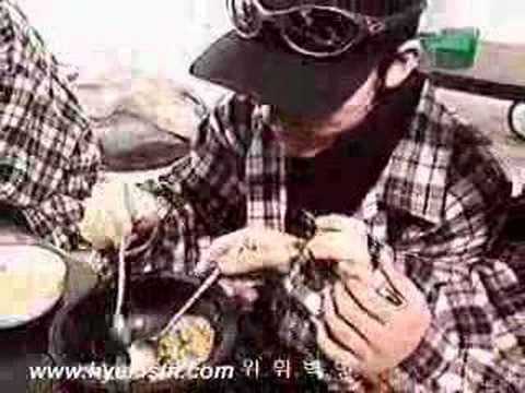 Cute Kangta gorged with food by Woohyuk