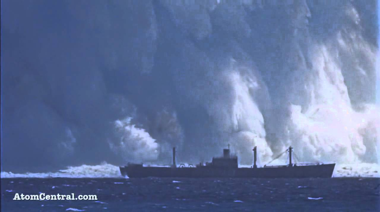 NUCLEAR BOMB EXPLODES UNDERWATER!!!! - YouTube