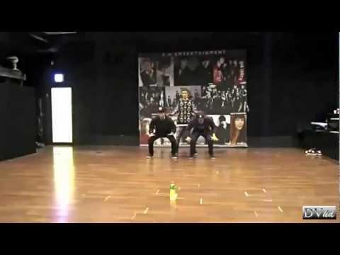 Eun Hyuk, Kai & Gregory Hwang - 2011 GAYO DAEJUN Dance Cut (dance practice) DVhd