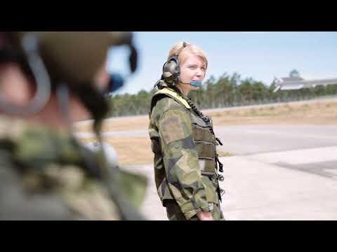 Flygmekaniker på Visbybasen
