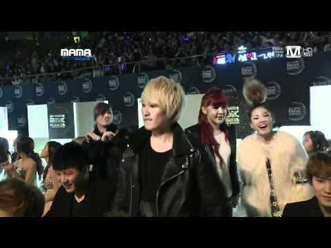 [FULL HD] 2011 MAMA - Super Junior in the audience