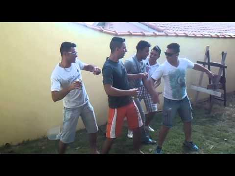 Baixar Grupo Doce Amizade e Grupo + Q Desejo dançando ah leleke