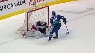 Devils, Canucks battle for shootout win