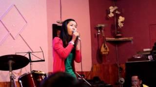 [Thánh ca] Lời Mẹ Ngọt Ngào - Thùy Trang (St Thiên Lý) tại Cafe Thánh Ca