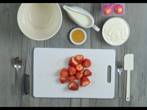 How to Make Yoghurt & Fruit Popsicles