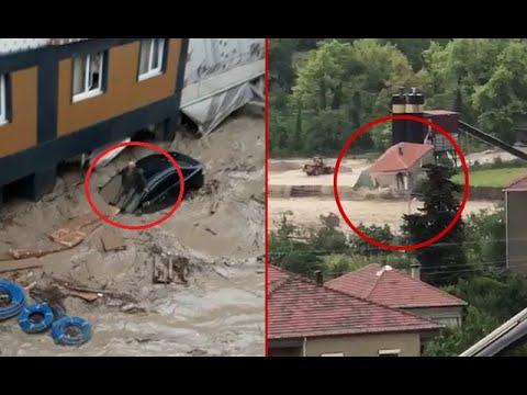 Karadeniz'de Sel Felaketi! Bir Kişi Otomobilin Üzerinde Sele Kapıldı, Şantiye Binası Suya Gömüldü