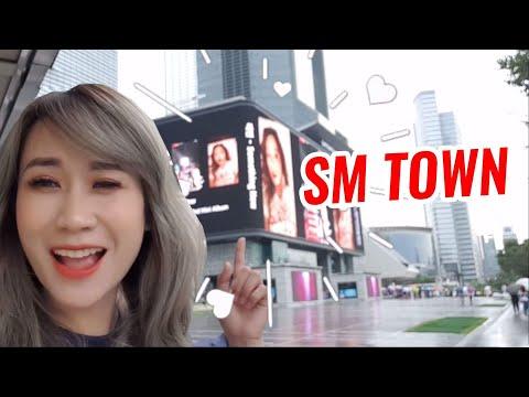 Hương Witch tới SM Town để gặp SNSD, EXO, Super Junior ... ?