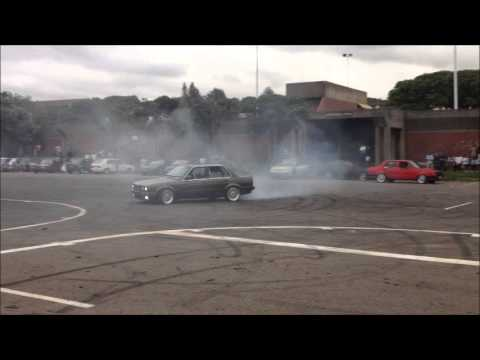 Bmw 325i E30 Drifting Amp Spinning Youtube