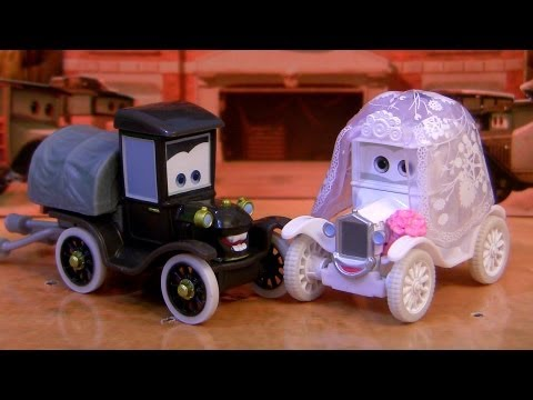 Cars Stanley & Lizzie Wedding Day Gift Pack Time Travel Mater Toys CARS TOONS Review Blucollection - Smashpipe Entertainment