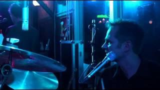 Bekijk video 3 van Shuffle op YouTube