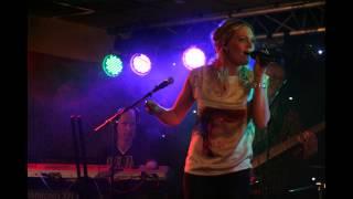 Bekijk video 2 van Hens op YouTube