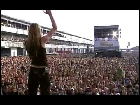 Baixar Avril Lavigne - Sk8er Boi (Live at Rock AM Ring) - 01