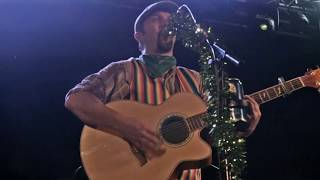 The Lancashire Hotpots - Chippy Tea (Live at the Manchester Academy 2)