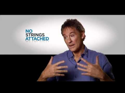Interview with Kevin Kline for No Strings Attached - YouTube