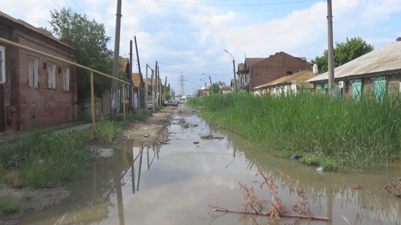 Астраханские метаморфозы: улица превратилась в болото