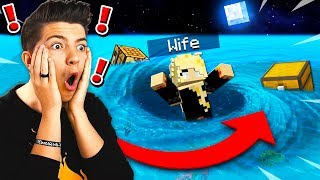 FLOOD ESCAPE IN MINECRAFT POCKET EDITION WITH MY WIFE!
