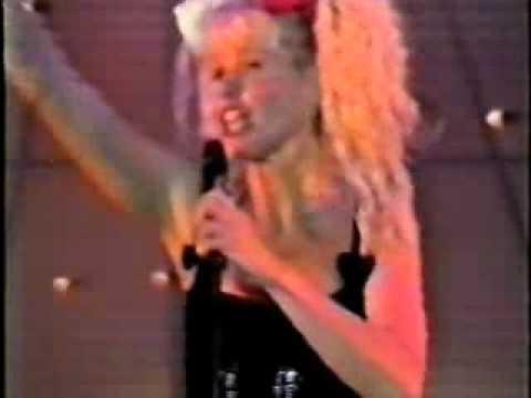Baixar Xuxa cantando