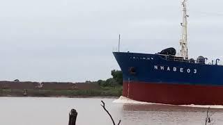 Tàu Buông Vào Sông Quan Chánh Bố Tỉnh Trà Vinh