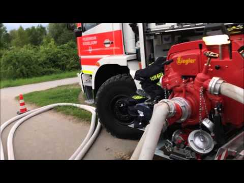 [Wasserentnahme bei Niedrigwasser] Freiwillige Feuerwehr Düsseldorf Kaiserswerth