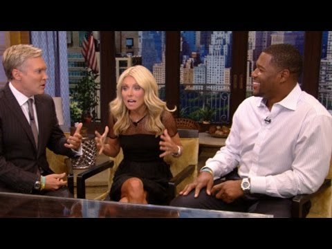 Michael Strahan Officially Joins Kelly Ripa as Co-Host - YouTube